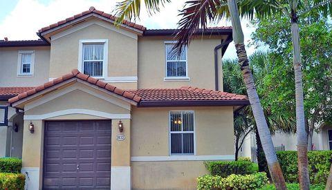 Photo of 1033 Ne 207th St, Miami, FL 33179