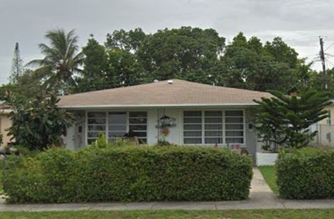 Photo of 2281 Ne 173rd St, North Miami Beach, FL 33160