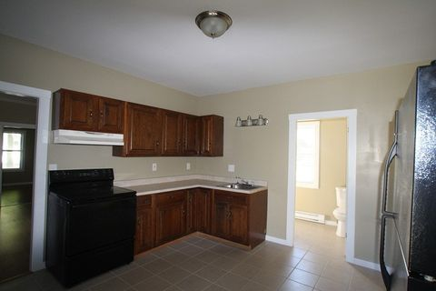 Photo of 38 Spruce St # 1, Waterville, ME 04901