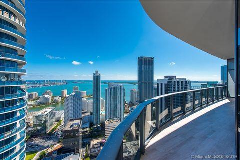 Photo of 45 Sw 9th St Apt 4608, Miami, FL 33130
