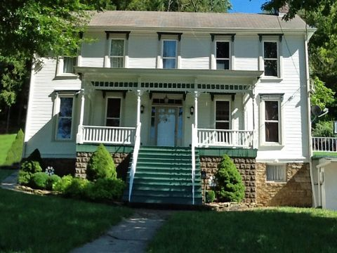 Photo of 2011 Decatur Ave, Wheeling, WV 26003