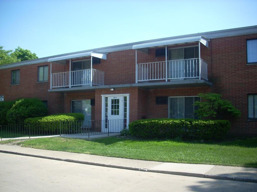 Colony Club Apartments