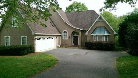 Photo of 126 S River Hill Dr, Advance, NC 27006