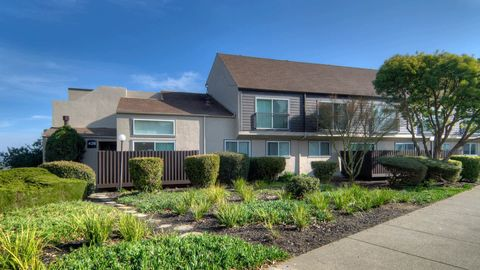 Photo of 401 Sherwood Dr, Sausalito, CA 94965