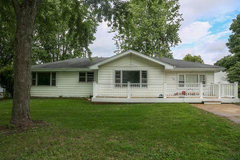 Photo of 631 Elm St, Beecher, IL 60401