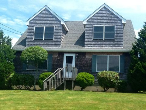 Photo of 34 Sunset Shore Dr, Narragansett, RI 02882