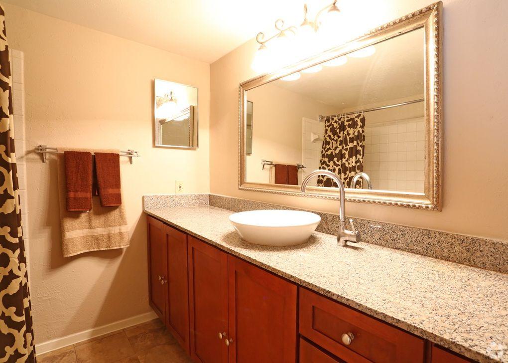7913 Harwood Rd, North Richland Hills, TX 76180 - realtor.com®