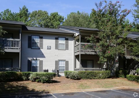 10 Arbor Crossing Dr, Lithonia, GA 30058
