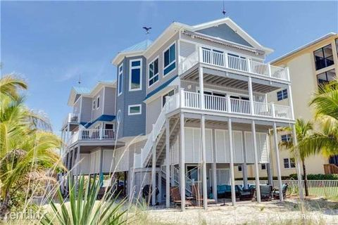 30 Gulf Beach Rd, Fort Myers Beach, FL 33931