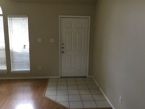 Photo of 7928 Cannonwood Dr, Fort Worth, TX 76137