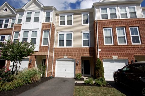 Photo of 21756 Harroun Ter, Ashburn, VA 20147