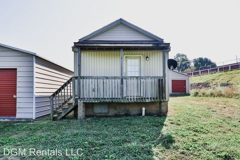 Photo of 1825 Indian Mound Dr, Mount Sterling, KY 40353