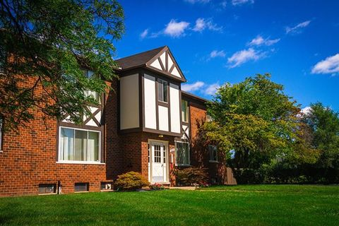 Photo of 8600 Beech Dr, Sterling Heights, MI 48312