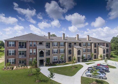 Photo of 2455 Weldwood Dr, Baton Rouge, LA 70816