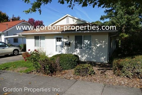 Photo of 2847 Se Long St, Portland, OR 97202