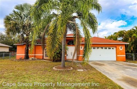 Photo of 1703 Se 8th St, Cape Coral, FL 33990