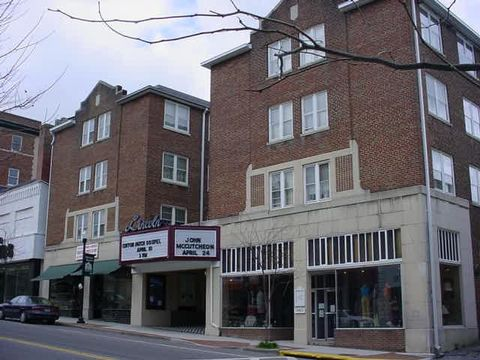 Photo of 117 E Main St Apt 12, Marion, VA 24354