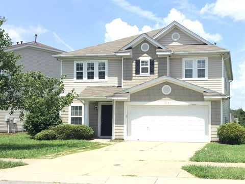 Photo of 13729 Riding Hill Ave, Charlotte, NC 28213