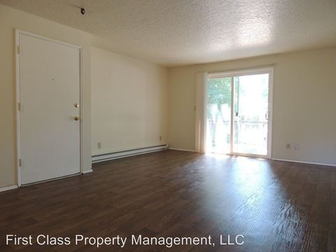 Photo of 9555 Sw Hall Blvd Apt 5, Tigard, OR 97223