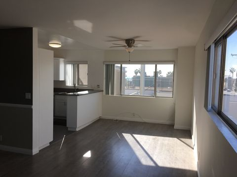 Photo of 39 20th Ave, Los Angeles, CA 90291