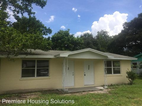 4448 Clay St, Zephyrhills, FL 33542