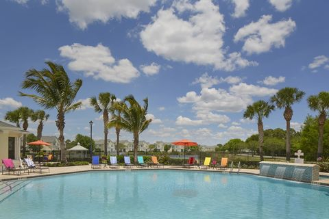 Photo of 9601 Bay Harbor Cir, Fort Myers, FL 33919
