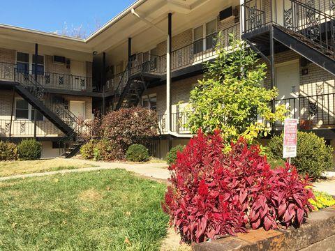 Photo of 905 Richmond Rd, Lexington, KY 40502