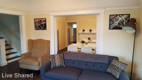 Photo Of 1438 E 20th St Unit 1 Los Angeles Ca 90011 Other For Rent