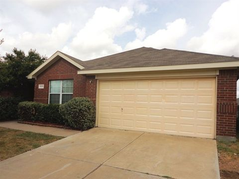 Photo of 8425 Cactus Flower Dr, Fort Worth, TX 76131