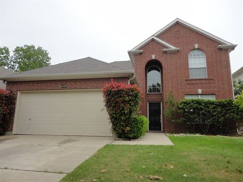 Photo of 4526 Parkview Ln, Fort Worth, TX 76137