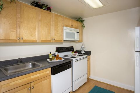 Photo of 118 N Howard St, Baltimore, MD 21201