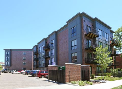 Photo of 4185 W Irving Park Rd, Chicago, IL 60641