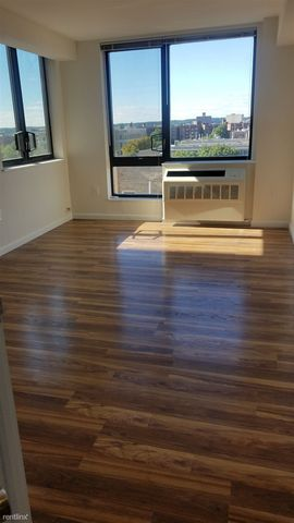 Photo Of 2781 Grand Concourse Bronx Ny 10468 Apartment For Rent