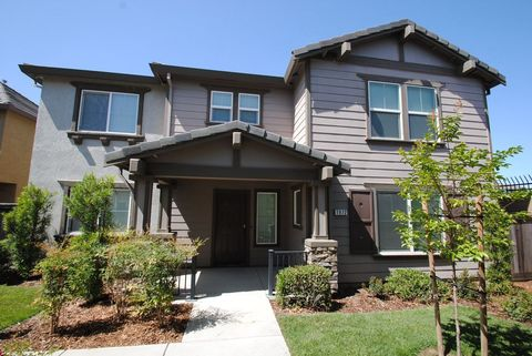 Photo of 1972 Miller Ct, Woodland, CA 95776