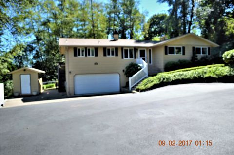 Photo of 105 Inglewood Dr, Longview, WA 98632