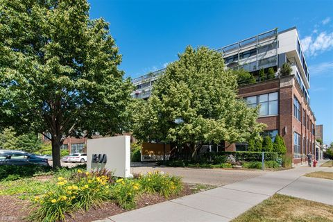 Photo of 1800 Ridge Ave Unit 102, Evanston, IL 60201