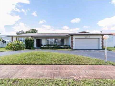 Photo of 4900 Lincoln St, Hollywood, FL 33021