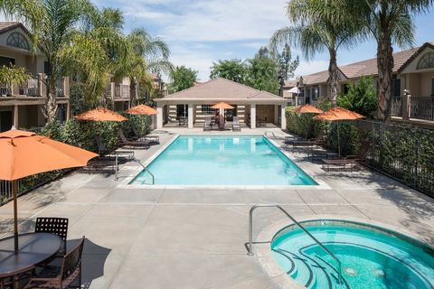 Photo of 301 E Cypress Ave, Redlands, CA 92373