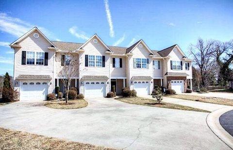 Photo of 216 Biddeford Pl, Greenville, SC 29609