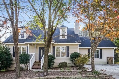 Photo of 1802 Red Rose Ln, Loganville, GA 30052