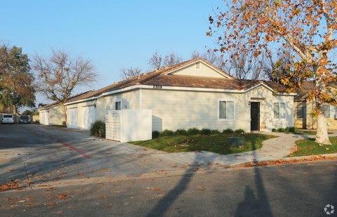 2320 Cullen Ct, Bakersfield, CA 93314
