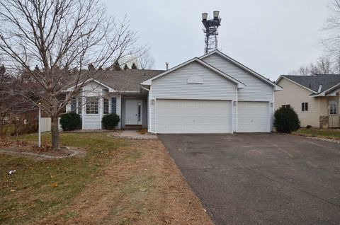 Photo of 2337 Windsor Ln, Woodbury, MN 55125
