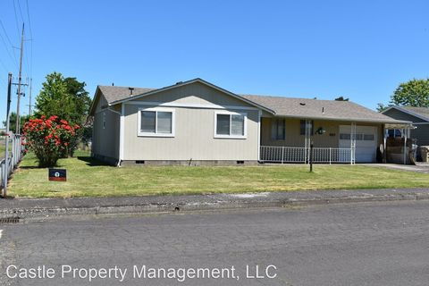 Photo of 885 W Carolina St, Lebanon, OR 97355