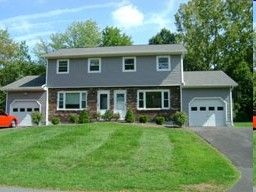 Photo of 122 Fairlawn Dr, Selkirk, NY 12158