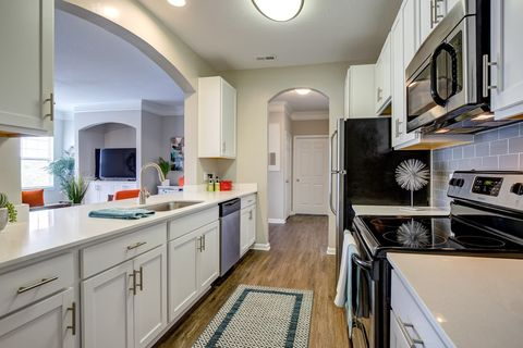 Photo of 16725 Birkdale Commons Pkwy, Huntersville, NC 28078