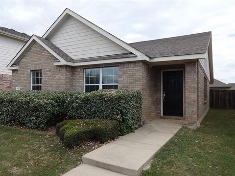 Photo of 8921 Stewart St, Oak Point, TX 76227