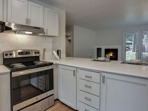 Photo of 14800 Nw Cornell Rd, Portland, OR 97229