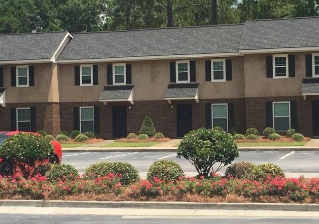 Lovely 802 Veterans Pkwy, Hinesville, GA 31313