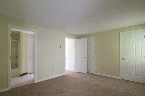 64 Oakdale Rd, Attleboro, MA 02703