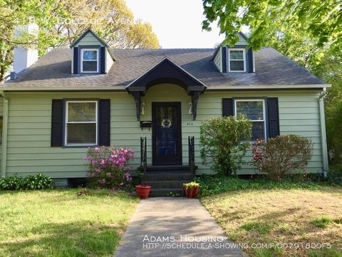 Photo of 418 W College Ave, Salisbury, MD 21801